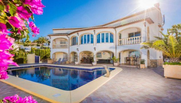 Immagine: Veduta esterna di una casa di alto standing in vendita a Jávea - Terramar Costa Blanca