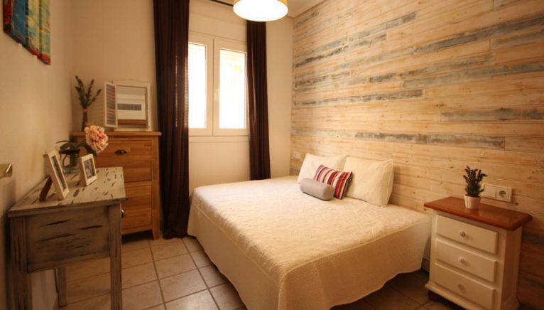 Una de las tres habitaciones de un adosado en venta en Jávea - Atina Inmobiliaria