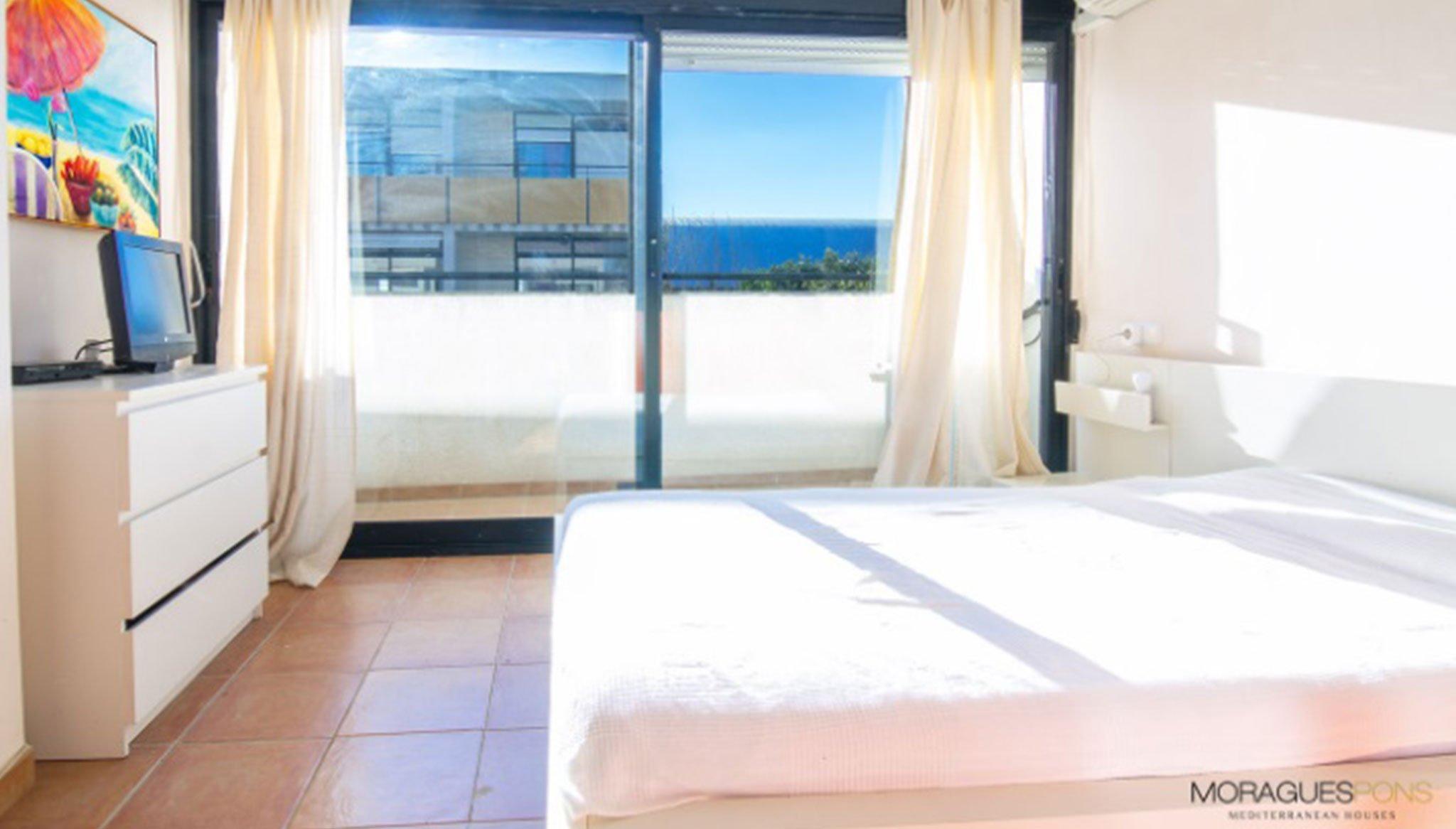 Habitación de un adosado en venta en Jávea – MORAGUESPONS Mediterranean Houses