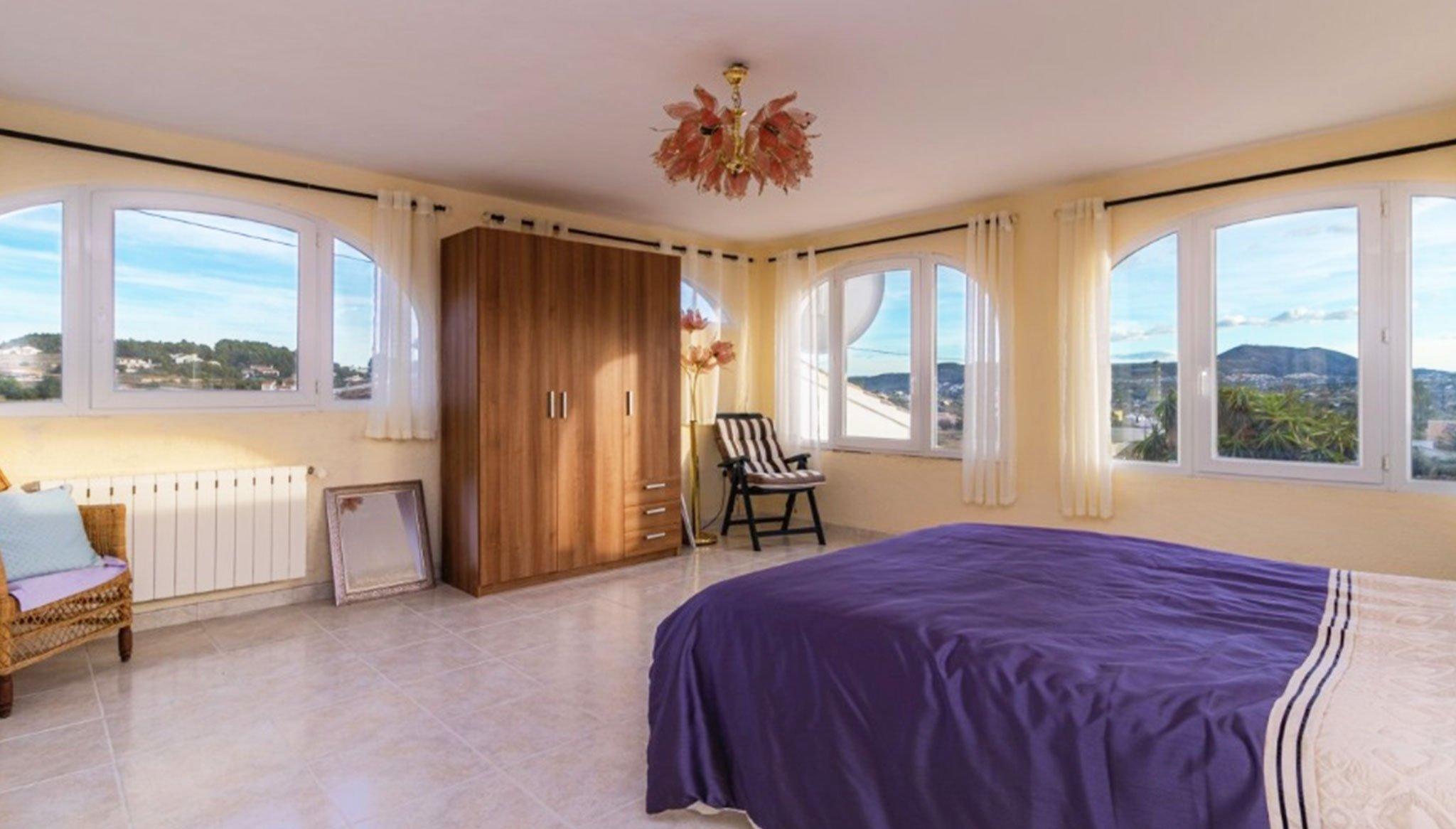 Habitación de un chalet en venta en el Montgó en Jávea – Vicens Ash Properties