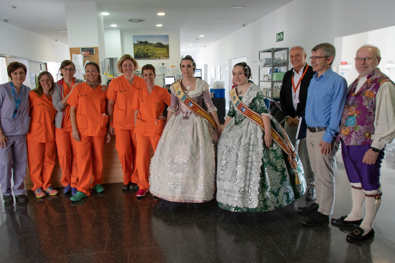 La Fallera Mayor de Gandia visita el Hospital de Dénia