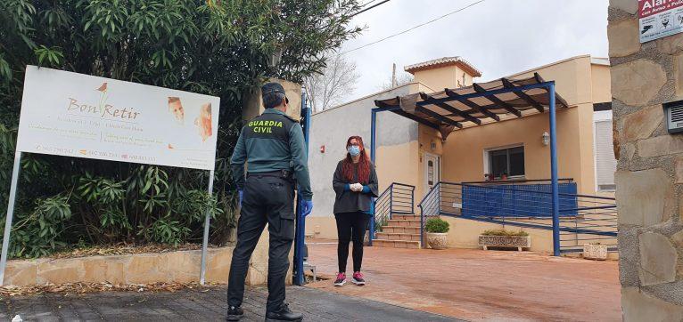 La Guàrdia Civil visita les residències i centres de gent gran