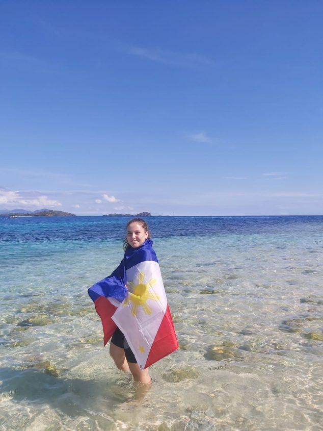 Imagem: Laura Giuliano nas Filipinas