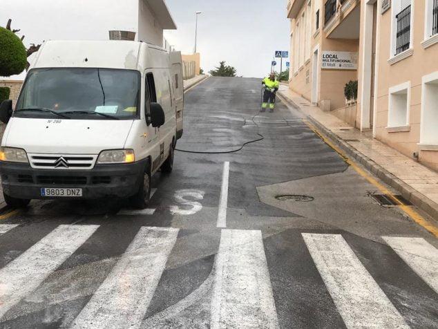Imagen: Limpieza en Benitatxell contra el coronavirus