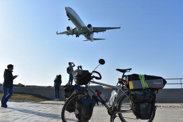 Imagen: Lucas Muniz tuvo que coger un avión para la vuelta ante la crisis sanitaria