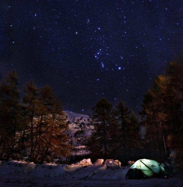 Картина: Лукас провел много ночей в палатке