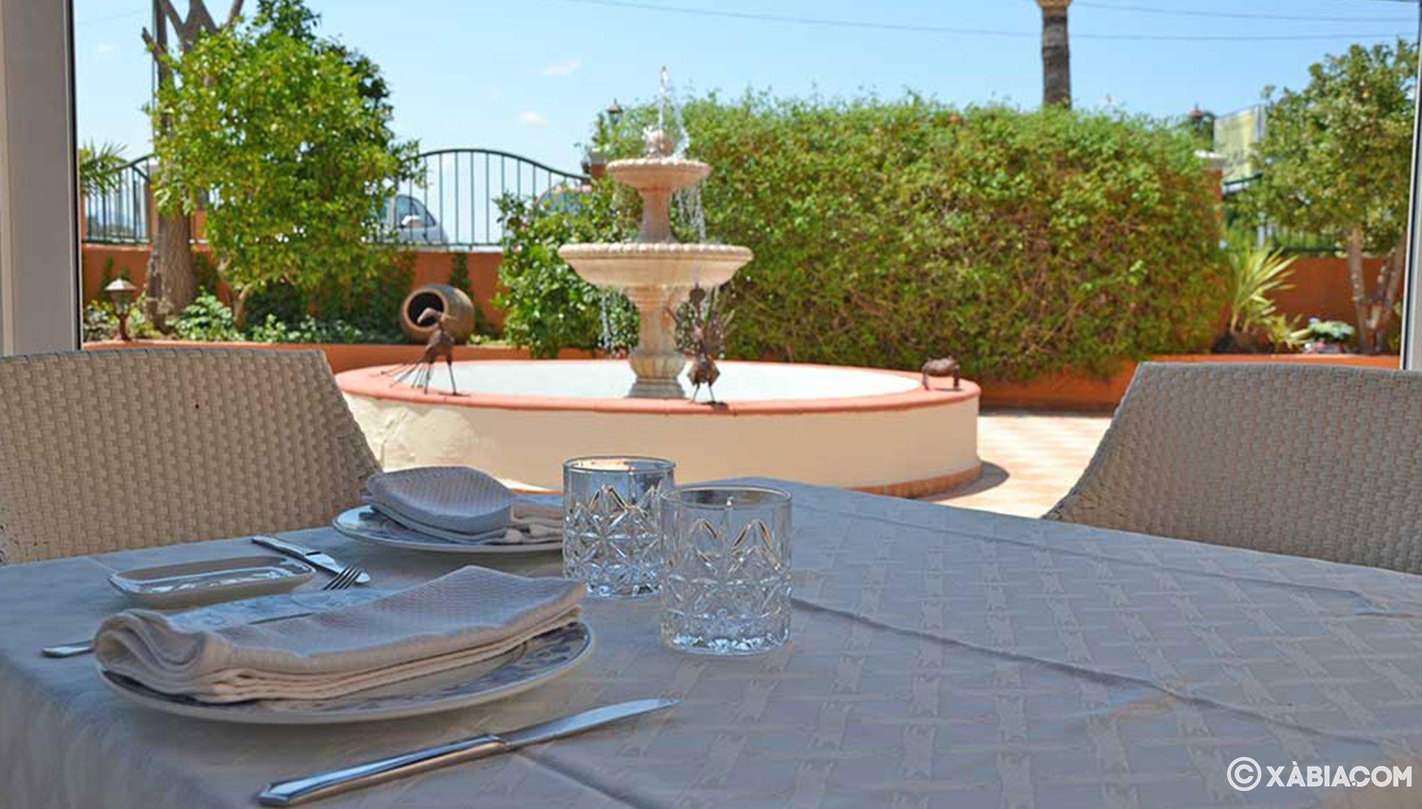 Mesa exterior en Restaurante Canali
