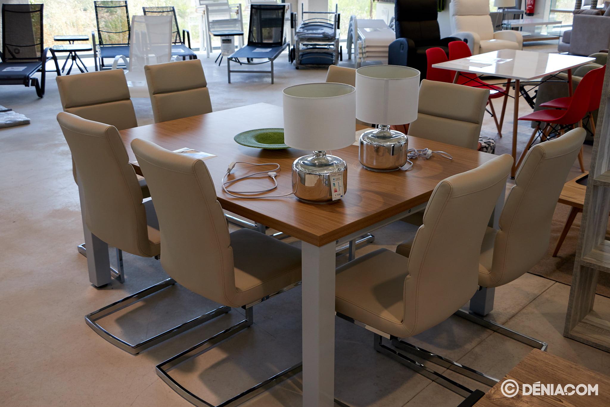 Mesas y sillas Amazing Deals
