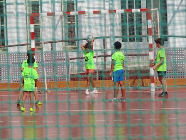 Imatge: Nens a l'Escola Multiesportiva Xàbia