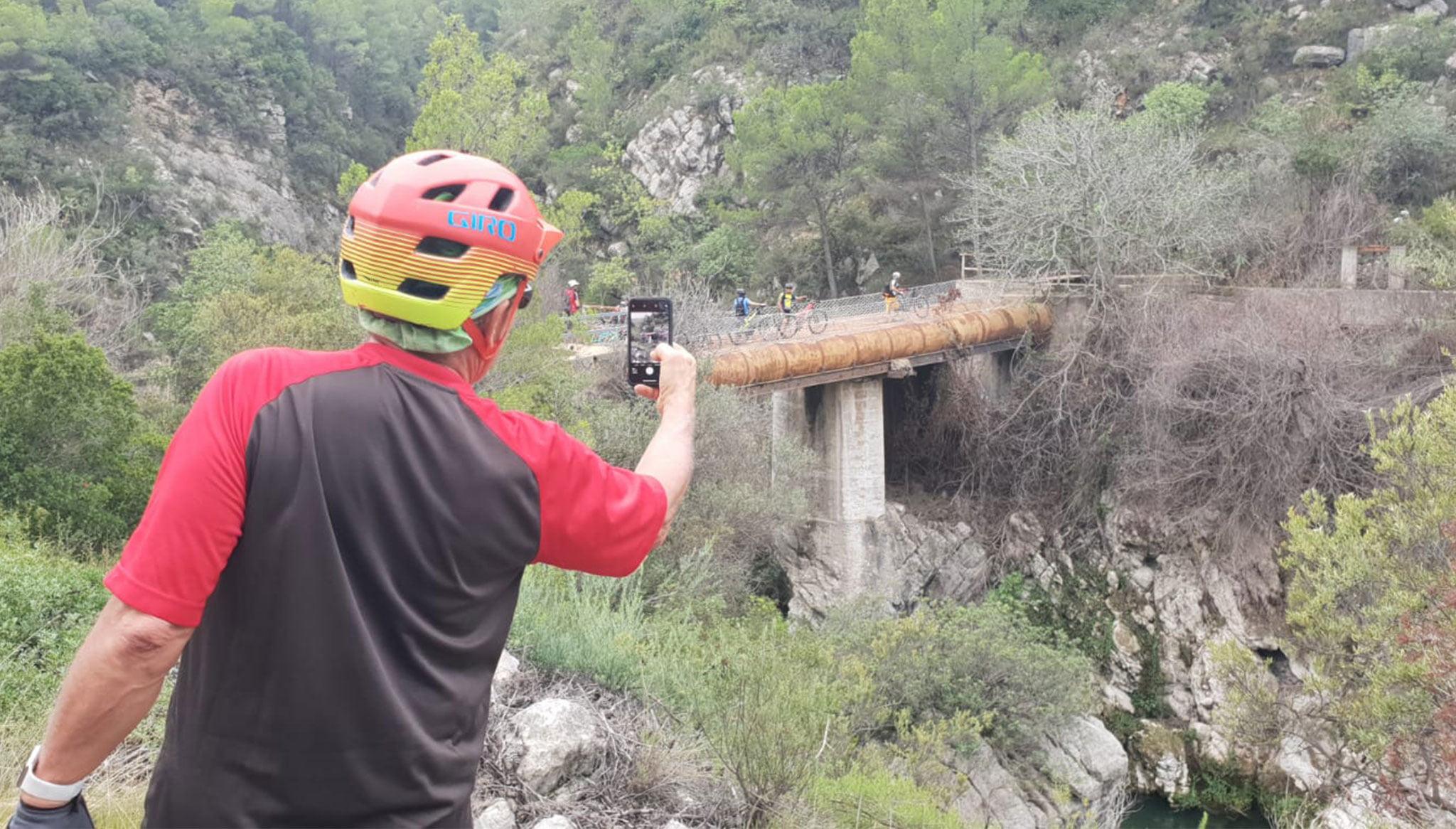 Paisaje en ruta de mountain bike durante un Training Camp – Aventura Pata Negra