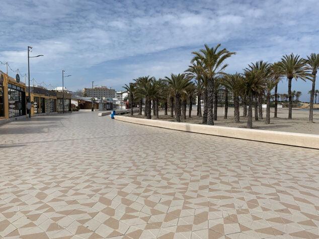 Imagen: Paseo de la Playa del Arenal y sus establecimientos