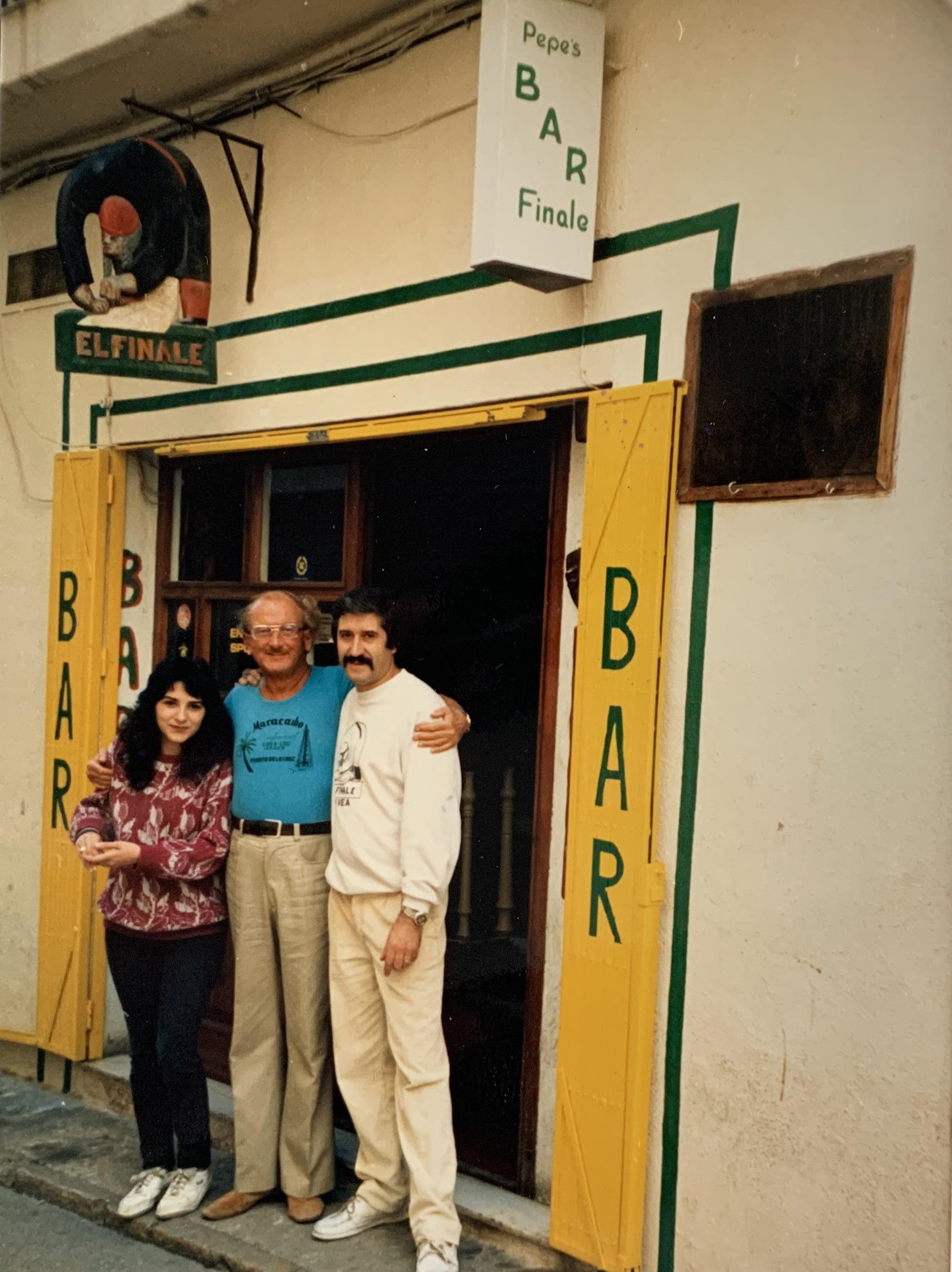 Pepe en el antiguo Finale y Pepe's Bar
