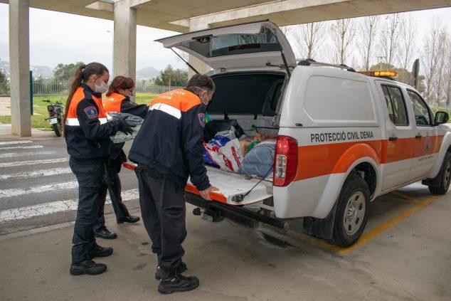 Imatge: Recollida de material sanitari per a les residències