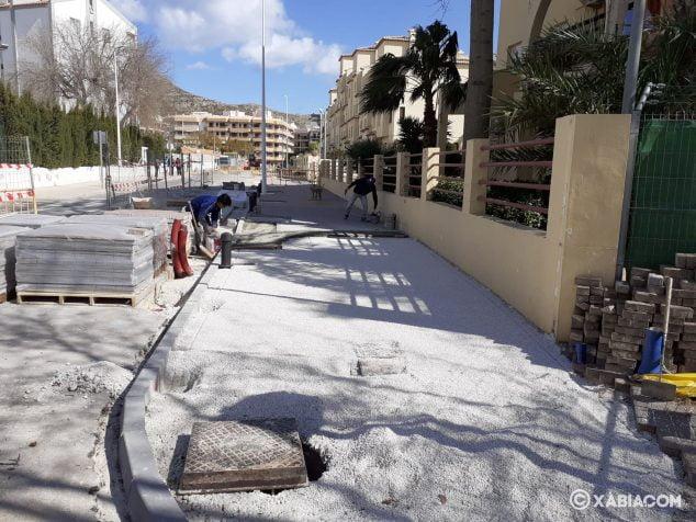 Imagen: Reforma de aceras en Avenida dels Furs