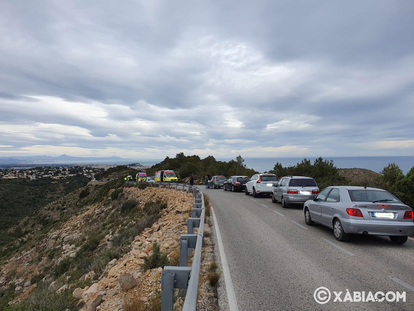 Retención de vehículos por el accidente en la carretera de las planas