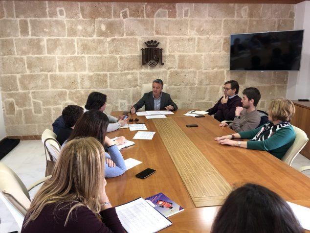 Imagen: Reunión del gobierno local sobre el coronavirus