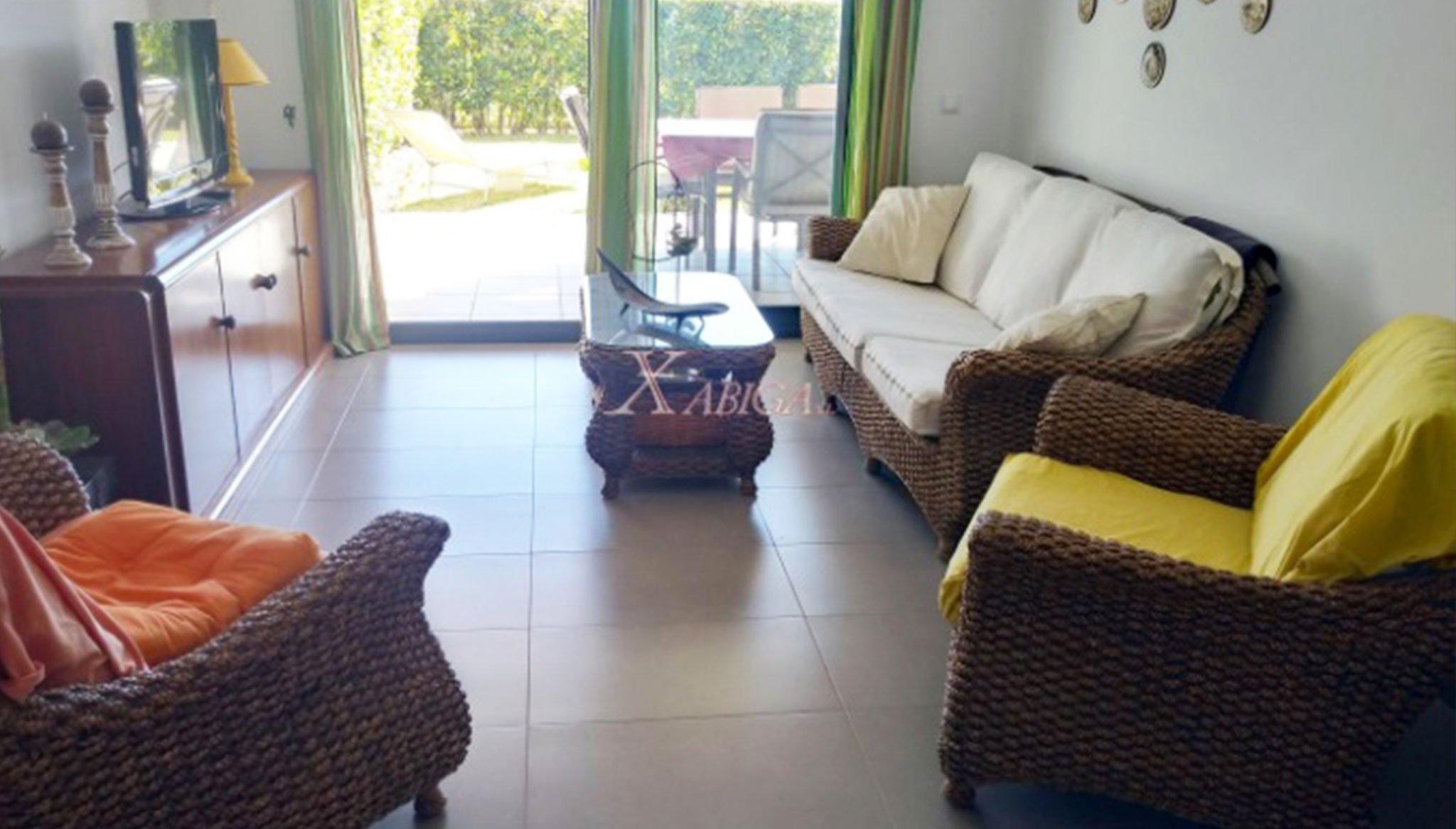 Salón comedor de un apartamento en venta en Jávea – Xabiga Inmobiliaria