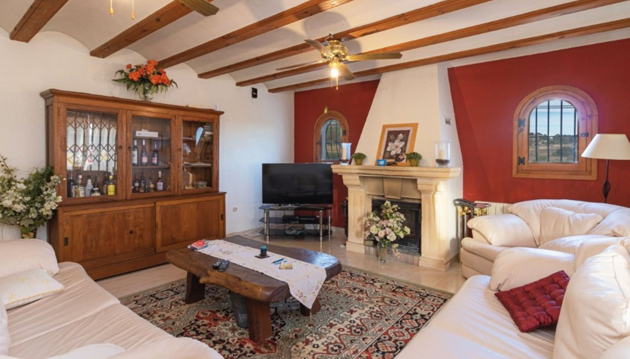 Salón de un chalet en venta en el Montgó en Jávea – Vicens Ash Properties