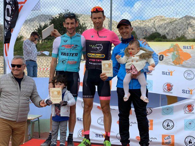 Imagen: Un ciclista del Xàbia's Bike en el podio
