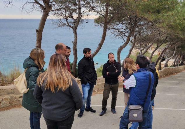 Imagen: Visita de los técnicos de Costa a la Cala Moraig