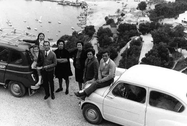 Imatge: Vista del port sense construccions en els anys 70 de segle passat