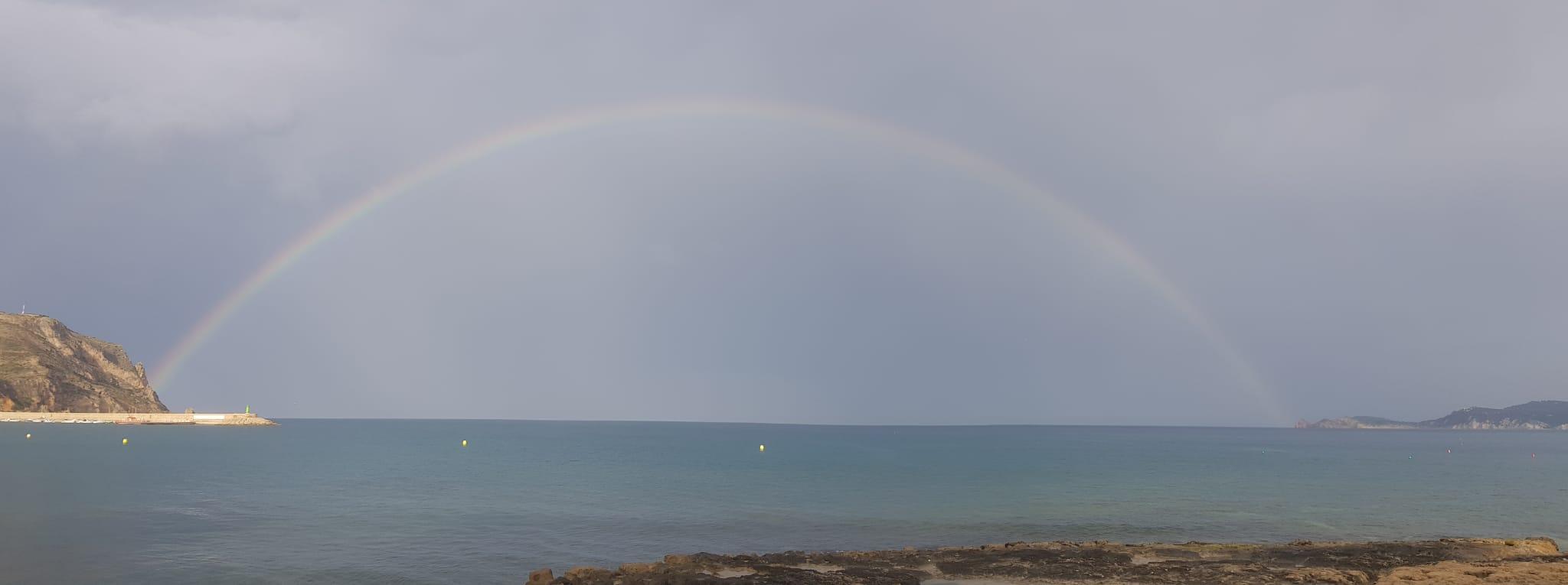 Completo arco íris en Xàbia- Foto de Ana Català