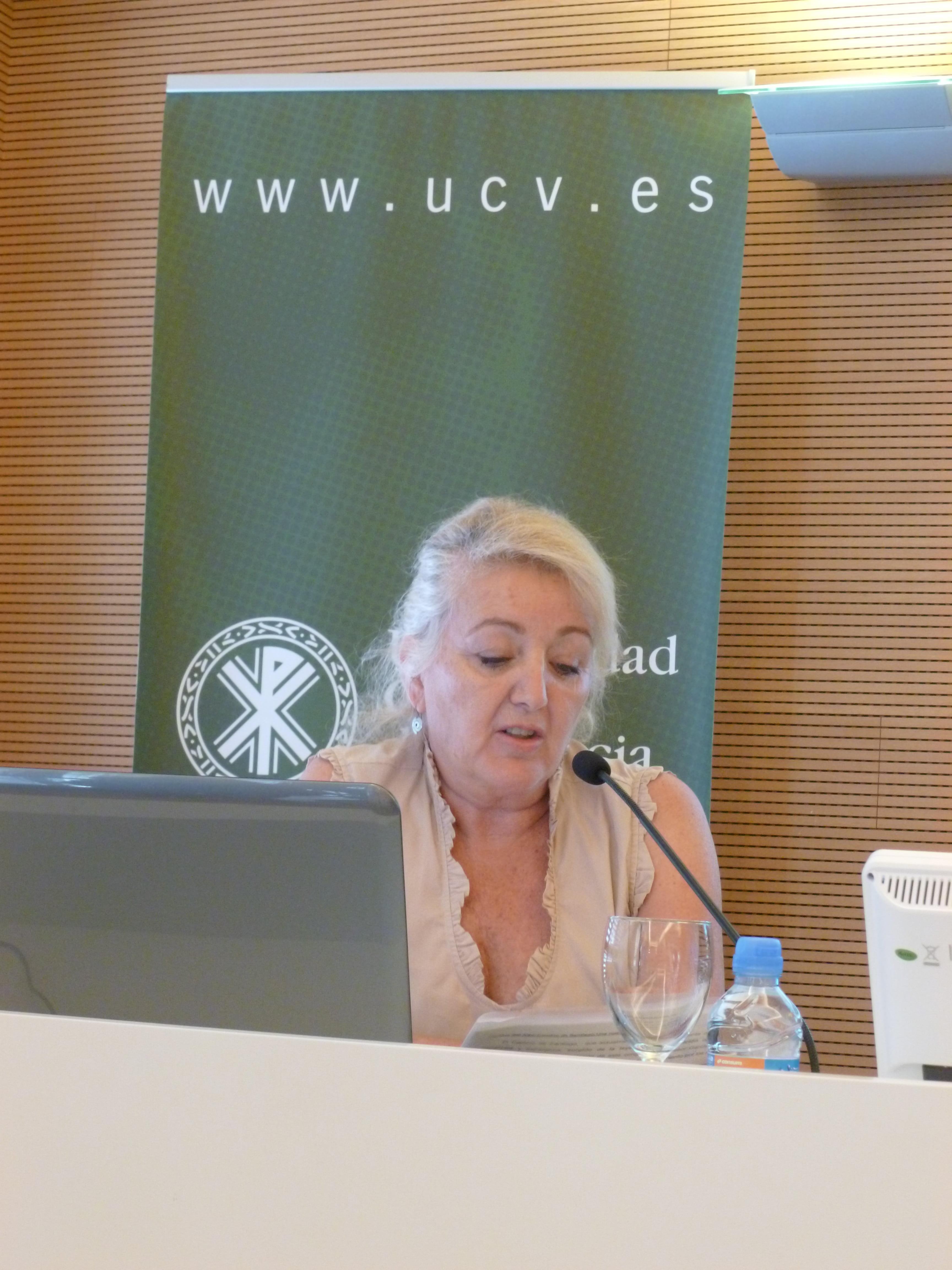 Ana Watt presentando el Camino de Santiago desde Xàbia en 2015 en el Congreso de Historia Comarcal celebrado en Valencia.