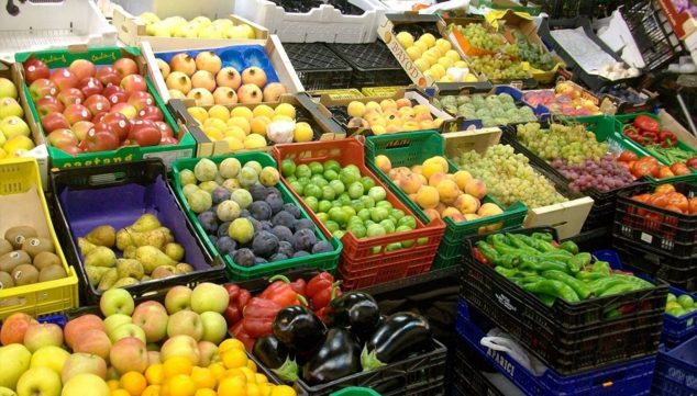Image: Fruit and vegetables in a market (Source: AVA-ASAJA)