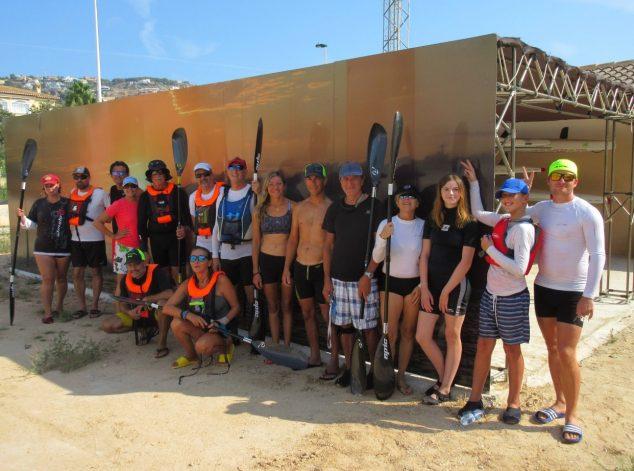 Imagen: Grupo de palistas del Club de surfski