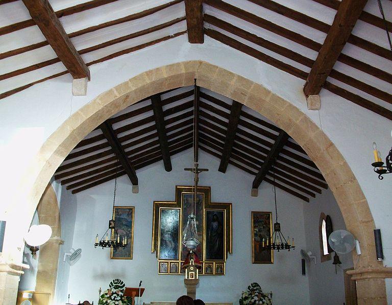 Interior de la Ermita del Pôpul