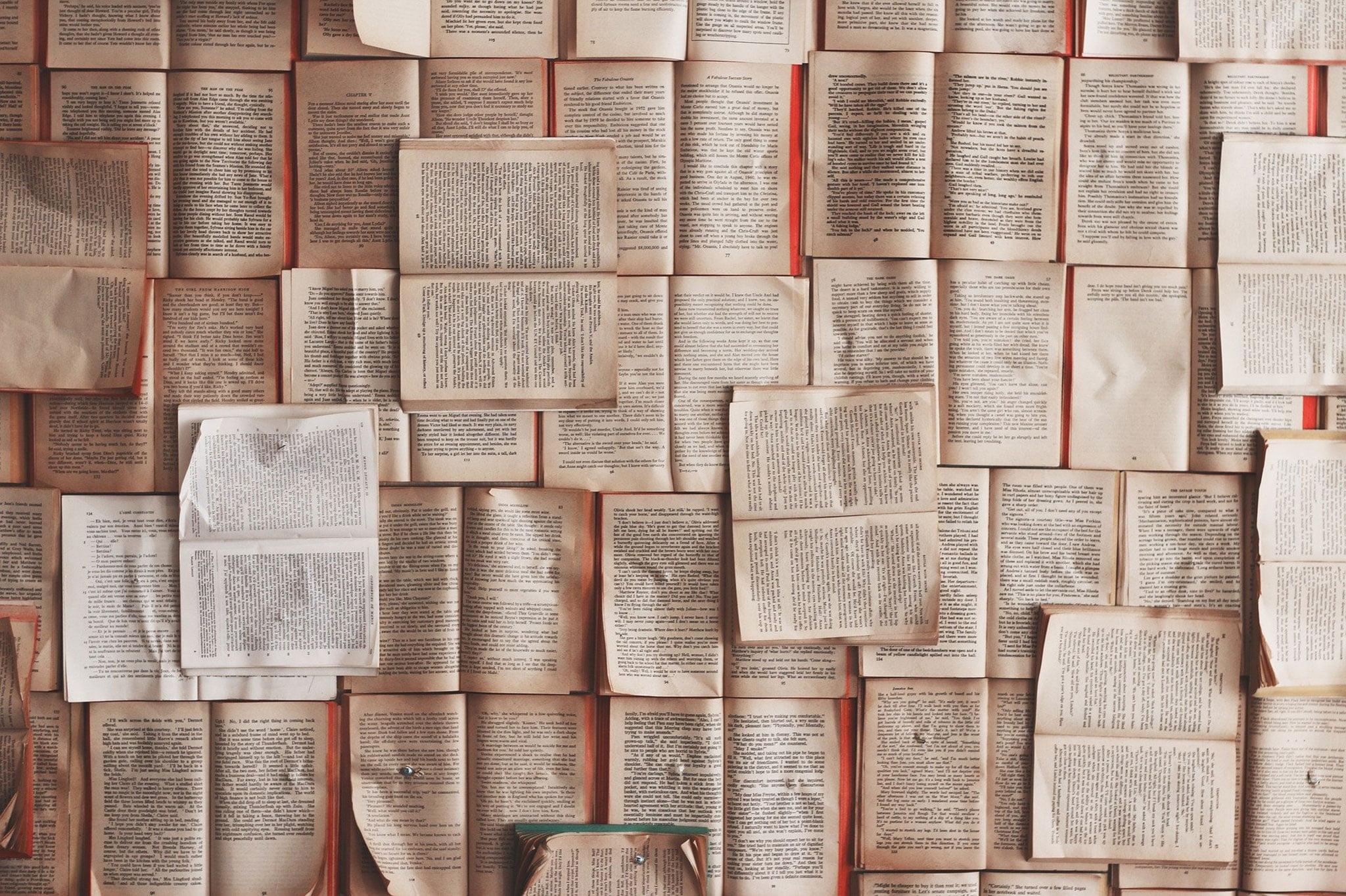 Pedimos a cinco escritores de nuestro entorno que titulen la actualidad como si fuera una novela