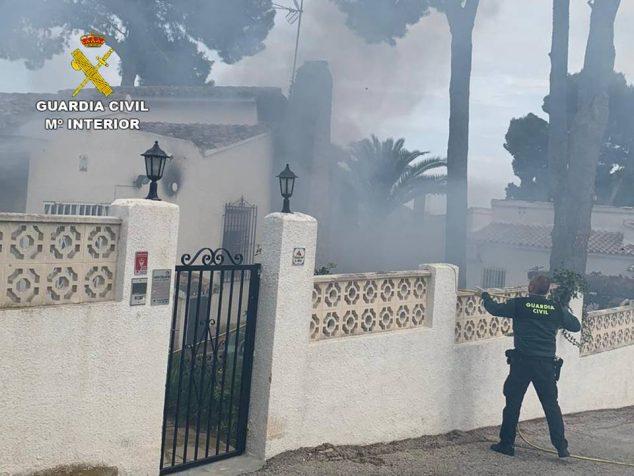Imagen: Momento del incendio de la vivienda