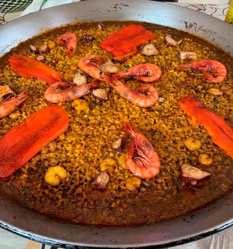 Paella pascuera – J. Justo