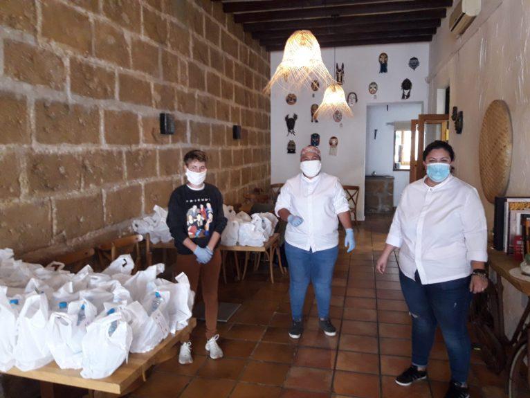 Restaurante Chola prepara comida para personal sanitario