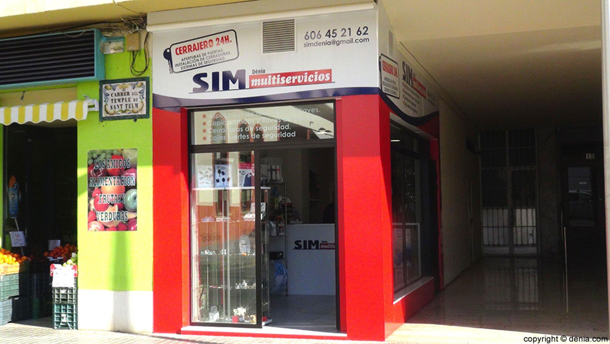 Vista exterior de la tienda de SIM Dénia