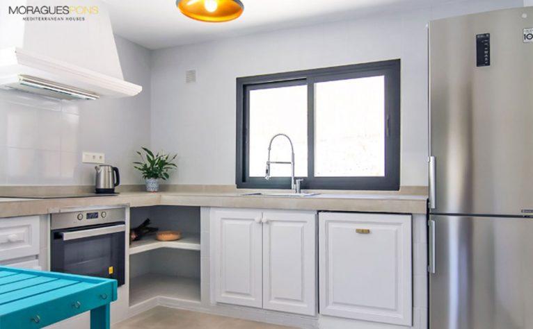 Cocina de una casa en venta o alquiler en Jávea - MORAGUESPONS Mediterranean Houses