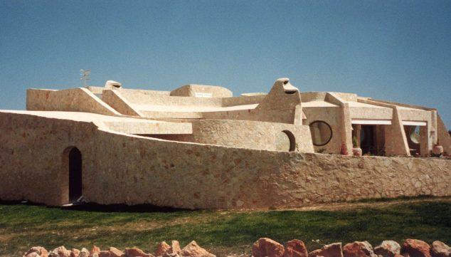 Imagen: Construcción de Manuel Jorge perteneciente a la década de los 80