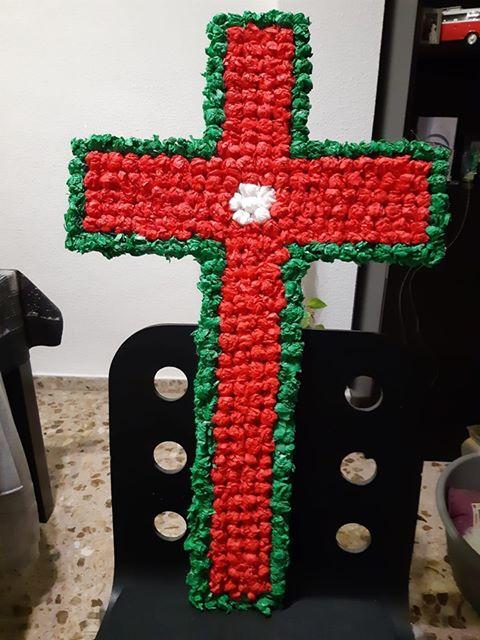 Cruz realizada artesanalmente