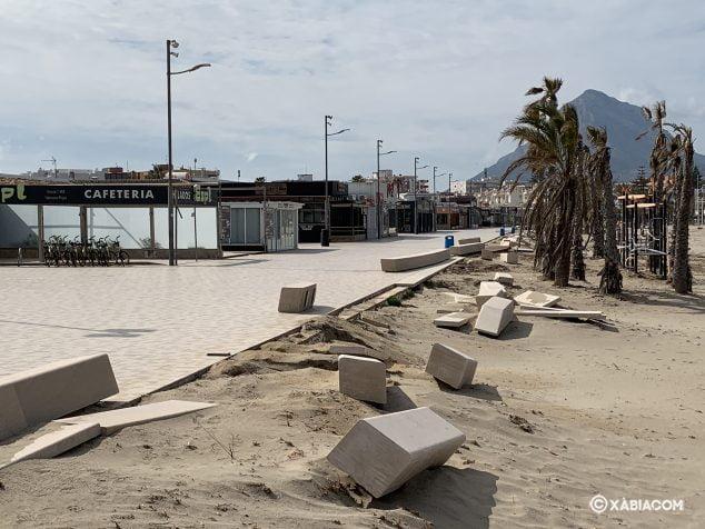 Imagen: Daños para reparar en el Paseo de la playa del Arenal