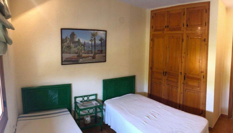 Dormitorio de un chalet en venta en Gata de Gorgos - Terramar Costa Blanca