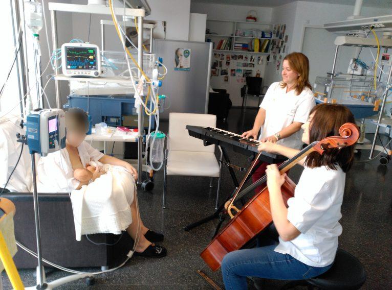Taller de musicoterapia en neonatos