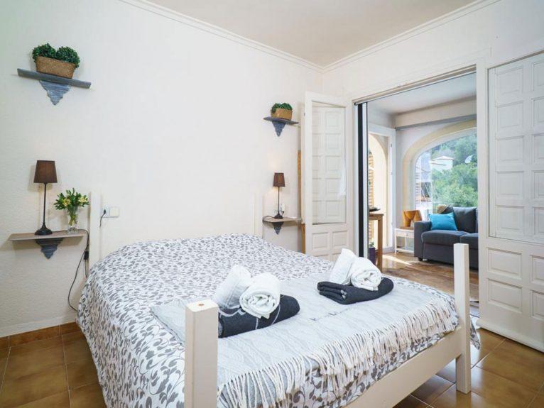 Habitación de un chalet en venta en La Granadella - Atina Inmobiliaria