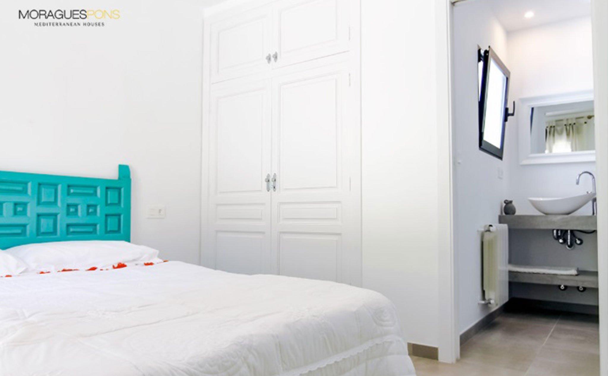 Una de las habitaciones de una casa en venta o alquiler en Jávea – MORAGUESPONS Mediterranean Houses