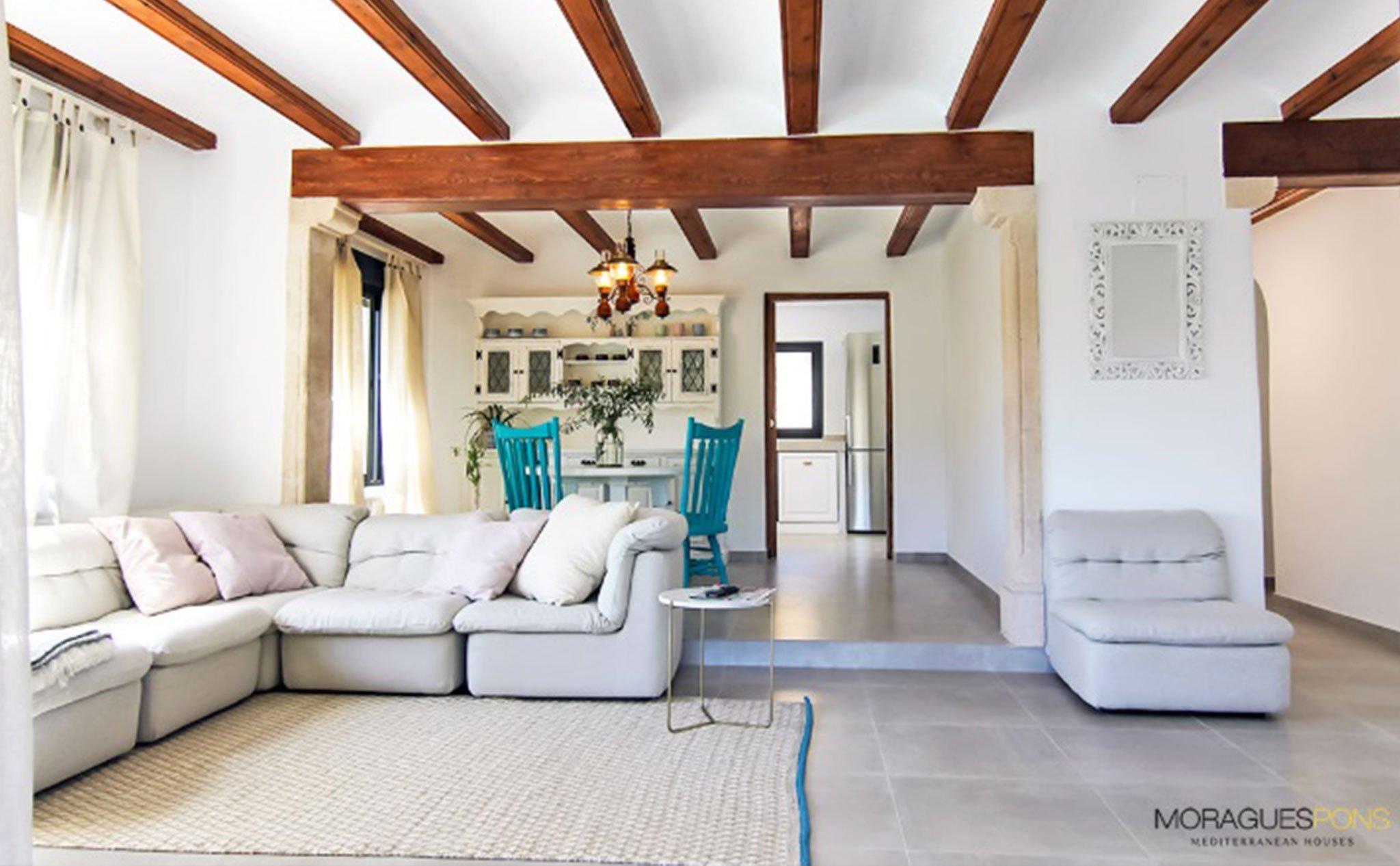 Salón de una casa en venta o alquiler en Jávea – MORAGUESPONS Mediterranean Houses