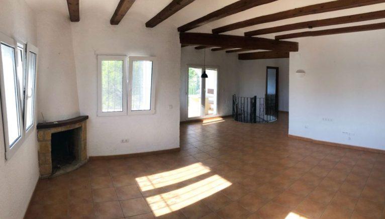Salón de una villa en venta en la zona Ambolo - Terramar Costa Blanca