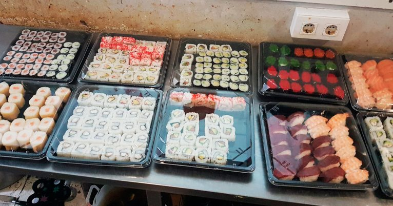 Sushi para llevar - Restaurante Asiático Semana 8