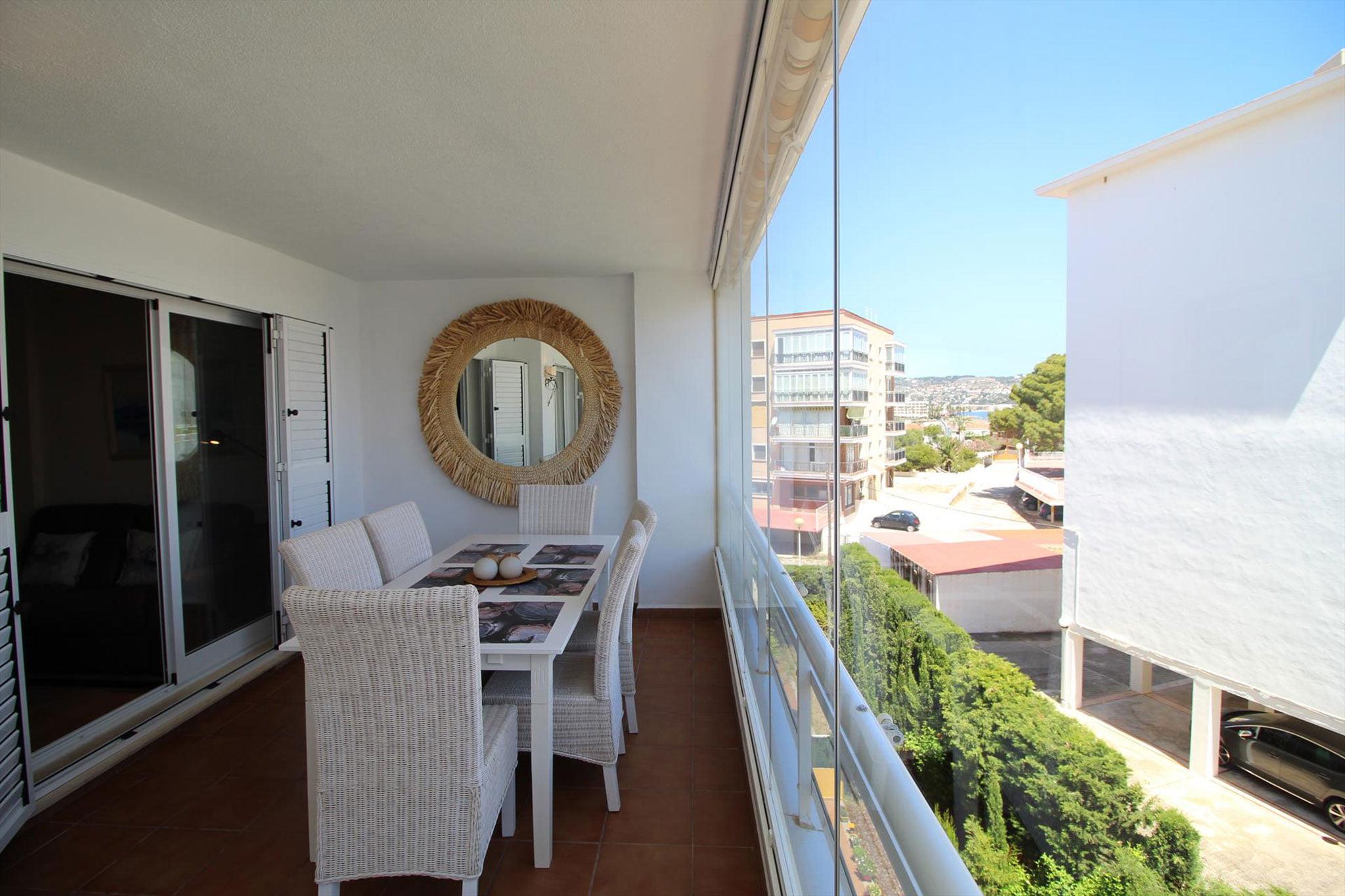 Terraza de un apartamento de vacaciones para cinco personas en Jávea – MMC Property Serivces