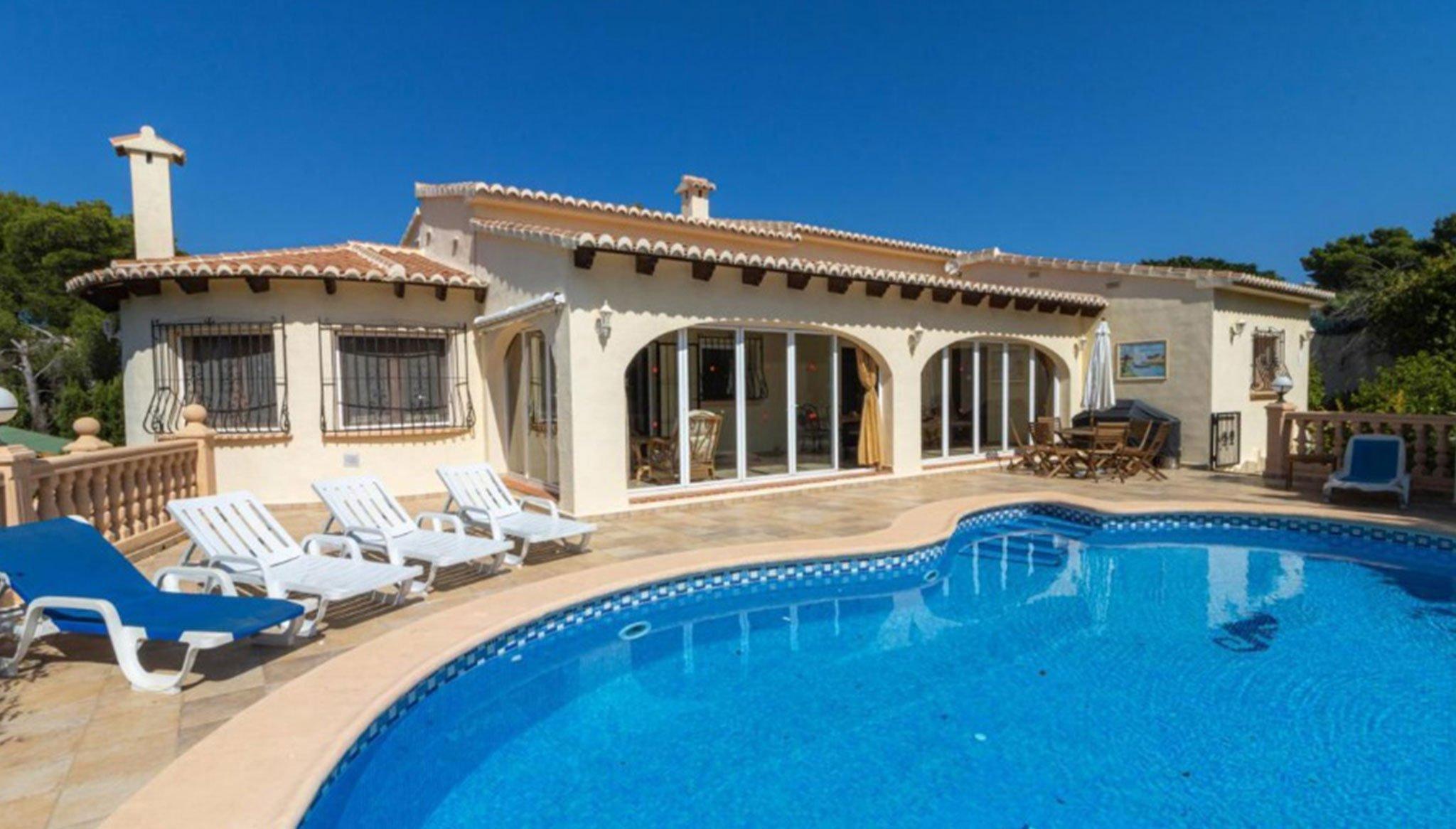 Villa en venta en Jávea en la zona de La Cala – Vicens Ash Properties