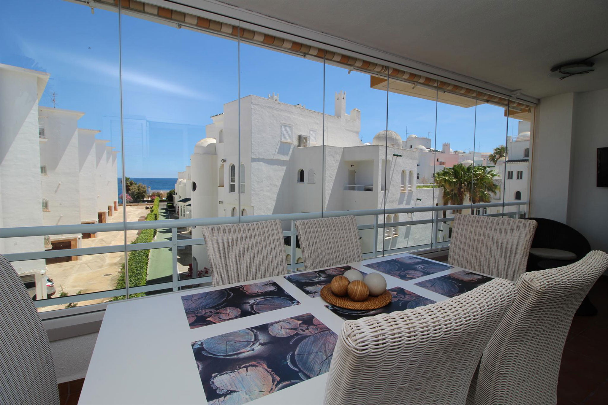 Vistas de un apartamento de vacaciones para cinco personas en Jávea – MMC Property Serivces
