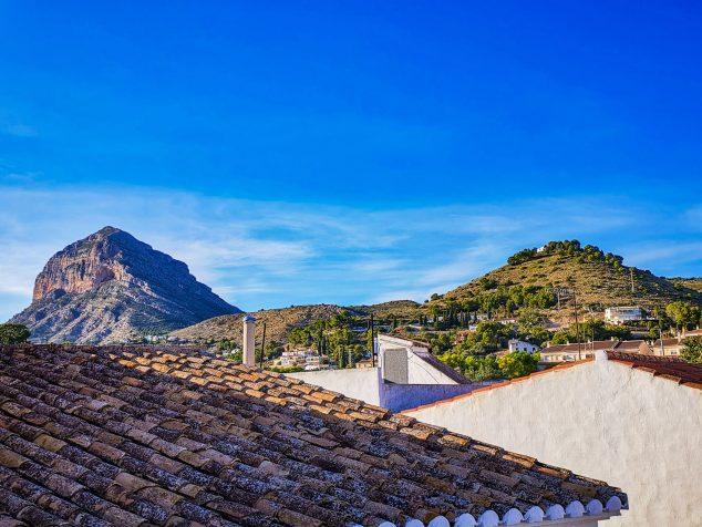 Imagen: Vistas desde una casa en venta en el centro histórico de Xàbia - L&T Properties